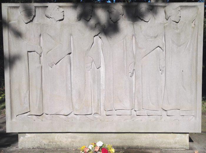"""Ehrenanlage """"Gemeinschaft in Leben und Tod"""", Friedhof Osterholz."""
